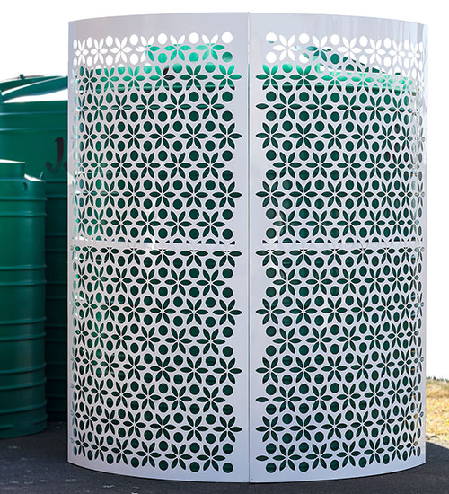 Water storage tank screens